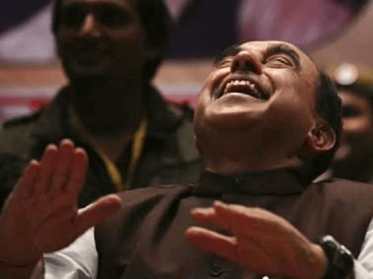 Swamy Vs Jaitely: The War of Tweets & Other things!